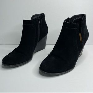 Lucky Brand Yabba black suede wedge ankle boot 9.5